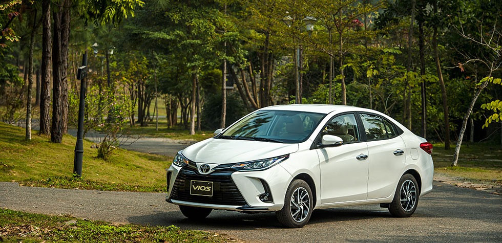 Toyota Vios 2020 Vios 1.3 E Automatic Red Auto, Cars for Sale, Used Cars on  Carousell